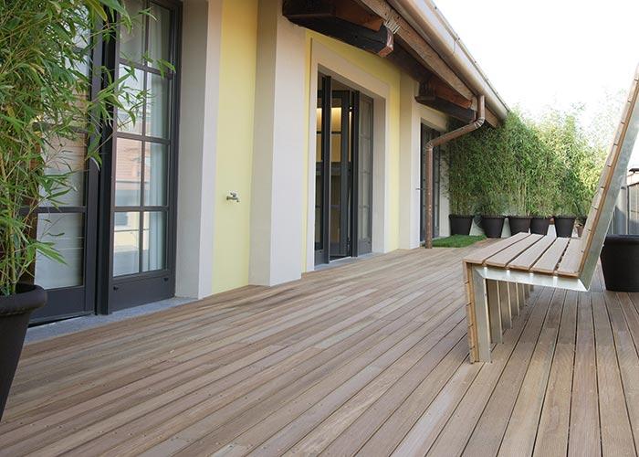 Produzione pavimenti in legno e parquet per esterno