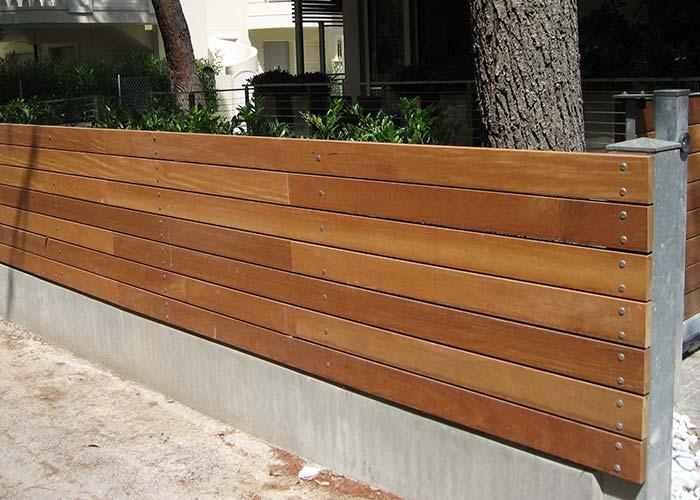 Doghe in legno per recinzioni design casa creativa e for Grigliato leroy merlin